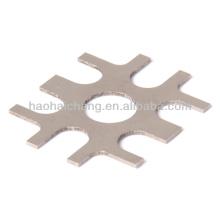 O furo de aço inoxidável da precisão do OEM 0.1 ~ 3mm flange estampada lisa para as peças do carro