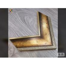 Madera de estilo vintage como marco de pintura moldeado