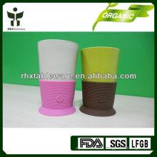 Tazas reutilizables respetuosas del medio ambiente con la manga