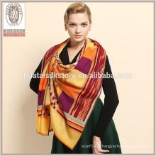 Vente en gros Design personnalisé écharpe en laine imprimée sur mesure écharpe en laine personnalisée