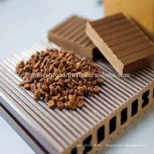 Pellet compuesto de plástico de madera para decking de extrusión