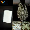 linha reflexiva iridescente da luz alta para a camisola de confecção de malhas