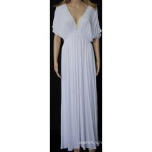 Новая мода на платье с глубоким V-образным вырезом