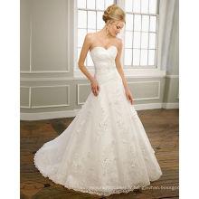 A-ligne chérie sans bretelles en satin organza dentelle train chapelle perles robe de mariée à volants