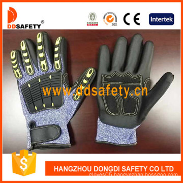 Cut Resistant Gloves Hppe Shell with Black Nitrile-TPR226