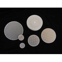 Custom Round Anti-acid / Alkali 2mgo + 2al2o3 + 5sio2 Industrial Honeycomb Ceramic Plate