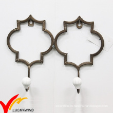 2 ganchos rústicos del casquillo del hierro del estilo viejo