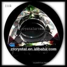 Cenicero de cristal triangular K9 con esquinas coloreadas