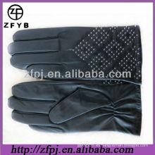 Nuevo guante de cuero del estilo del remache del diseño 2013