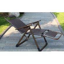 Cadeira de praia do rattan das lirasures, cadeira exterior alta do rattan da parte traseira