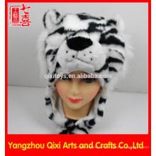 Hight calidad felpa cabeza de animal en forma de juguete de peluche blanco sombrero de tigre animal sombrero de invierno para niños adultos