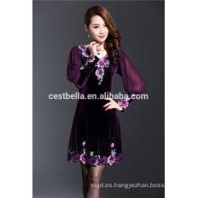 Primavera nuevo diseño de las mujeres elegantes vestido de gran tamaño bordado sobretodo terciopelo