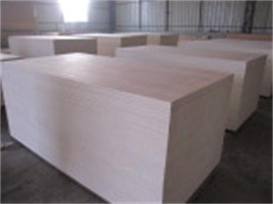 Furniture-Grade-Well-Sanded-Quality-of-Plywood