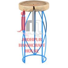 Tabouret bleu cruciforme
