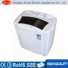 Weiße CB halb automatische Waschmaschine. Waschmaschine