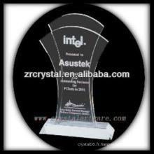 design attrayant blanc trophée en cristal X067