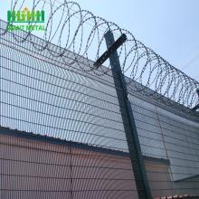 barbed wire VS  Razor barbed wire