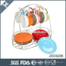 Kombination aus modischen und bunten Kaffeetassen-Teller-Set