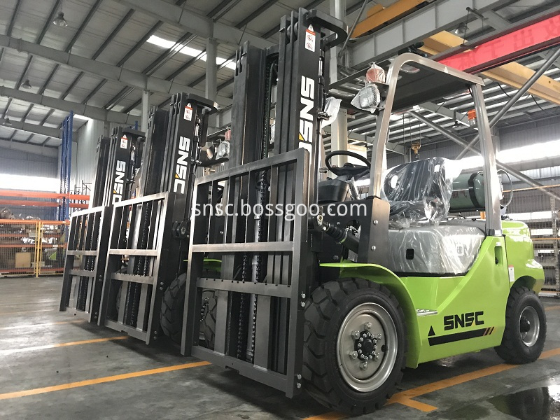 4pcs 3t gas forklift to MEXICO from sheri (14)