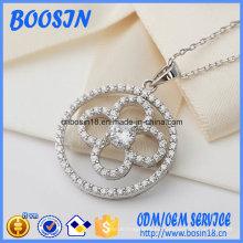 Collar de plata 925 con colgante de circonita en forma de flor