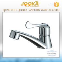 Установленный палубой faucet пластмассы для бассейна