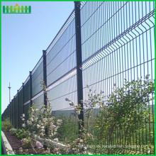 Comercio de garantía de refuerzo de PVC recubierto de malla de alambre de malla de carretera valla