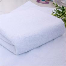 Toalla de baño de microfibra de encargo con la especificación de la toalla de baño