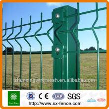 Poste de clôture galvanisé