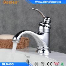 Accessoire de salle de bains Robinet de lavabo de lavage d'eau belle conception