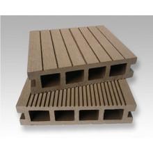 Matériau recyclé Éclairage imperméable WPC Decking Floor