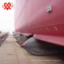 Lancha de natrual naval marino que lanza y que aterriza el saco hinchable del barco