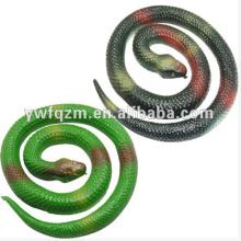 serpiente de plástico blando, serpiente falsa, serpiente de goma