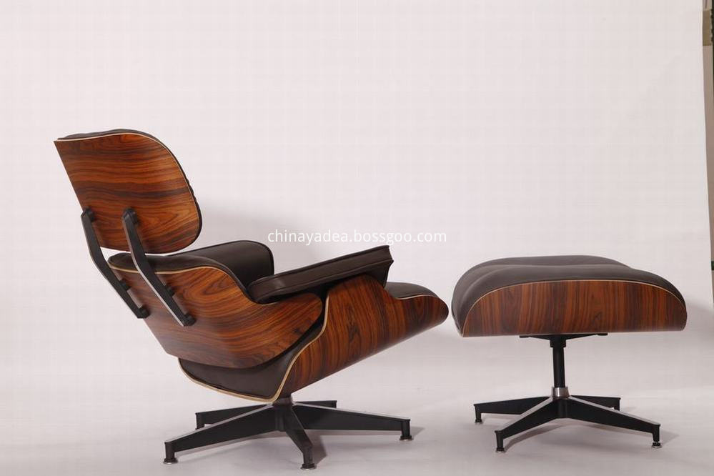 Black Eames rosewood Leather Lounge Chair