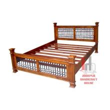 Doppelbett Bügeleisen Design