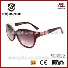 2015 lunettes de soleil à la mode haut de gamme avec joli temple décoré de pierre