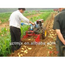 Trator montado Máquina de escavação de batatas / colheitadeira de batata-doce