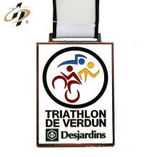 Médaille de triathlon personnalisée en alliage de zinc antique bronze avec lanière