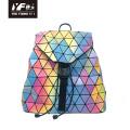 Bolso mochila de cuero de PU con enfoque de color láser geométrico