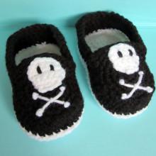Crochet Pirate Baby Booties crochet baby shoes