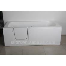 Акриловая ванна для пожилых людей