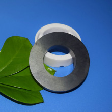 Suhu Tinggi Silicon Carbide Cermaic Bushing / Ring