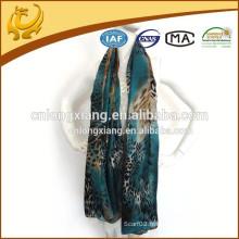 Nouvelle Noble Fashion Women's Long Wrap Lady Shawl Blue Color Etui en soie en mousseline de soie imprimé en mousseline de soie