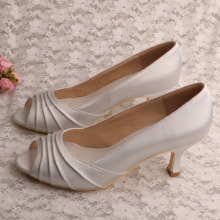 Buka Toe Bridal Shoes dengan Blok Heel