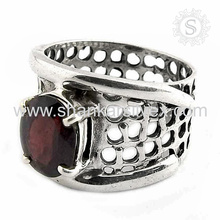 Celebrated 925 Silver Jewelry Red Garnet Ring Wholesaler Silver Jewelry Prong Ring