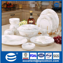 Élégant luxe or roses design porcelaine fine en porcelaine
