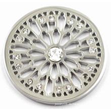 Silbernes Leben der Baummünze mit weißem Kristall