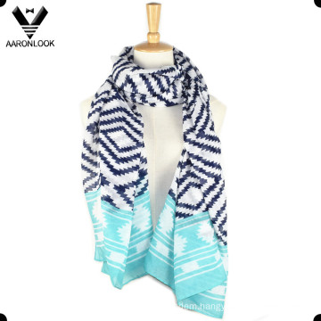 Lady′s Fashion Aztec Pattern Zigzag Printed Scarf