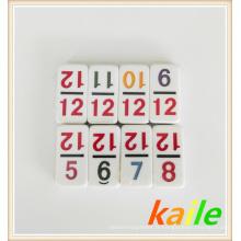 Double domino de thème de numéro 12 coloré avec la boîte en cuir