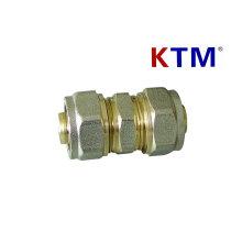 Montaje de tubería de latón de igual conector recto
