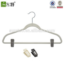 Popular Finished Wholesale Velvet Hanger with clips